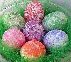Egg decorating ideas for Easter- sponge painting