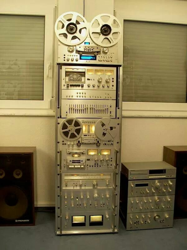 Pioneer vintage rack... I remember when this was my dream of the future...