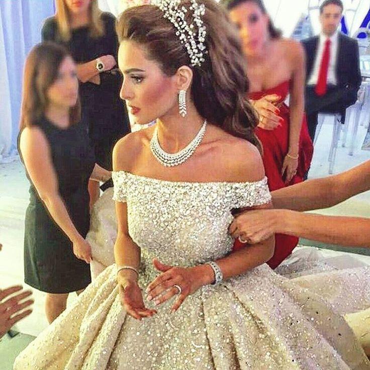 "Lebanese Weddings on Instagram: ""Wedding dress : Zuhair murad @zuhairmuradofficial. Jewelry : Nsouli jewelry @nsoulijewelry. Hair dresser : Wassim morkos @wassimmorkos @paceeluce. Photographer : Brightlightimage @brightlightimagephotography. ••••••••••••••••••••••••••••••••••••••••••••••••••••••••• #ameryasmina @yasminammache #lebaneseweddings"""