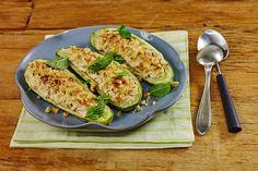 Um preparo vegetariano, que sai do forno com esse visual gratinado, nham! As folhas de hortelã são tão fresquinhas – se não tiver em casa, vai de salsinha!
