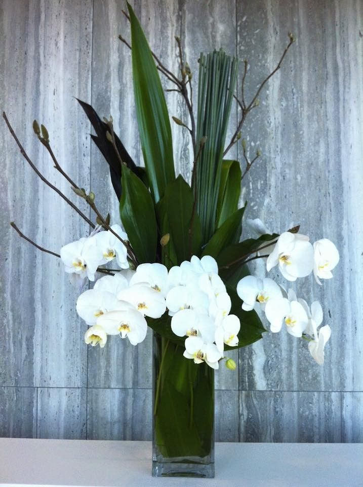 On the blog// The Art of Corporate Flower Arrangements - The Sweet and Simple Orchid