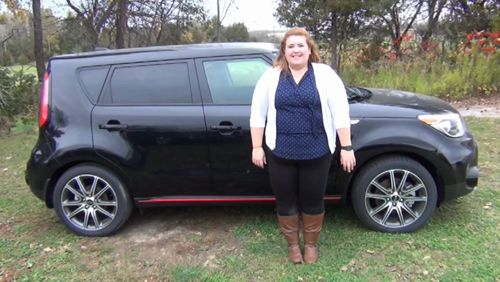 Katie shares with you some of the great features found in the powerful new 2018 Kia Soul SX Turbo. As Katie mentions, it comes with a 201 HP 1.6L Turbo-GDI 4-cylinder engine, backup camera, heated seats, heated steering wheel, Apple CarPlay & Android Auto as well as 18-inch sport alloy wheels. https://video.buffer.com/v/59f095d1dbfb3f74453b710f
