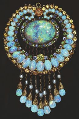 Tiffany Opal Pendant, New York Museum of Natural History. Made in 1915.