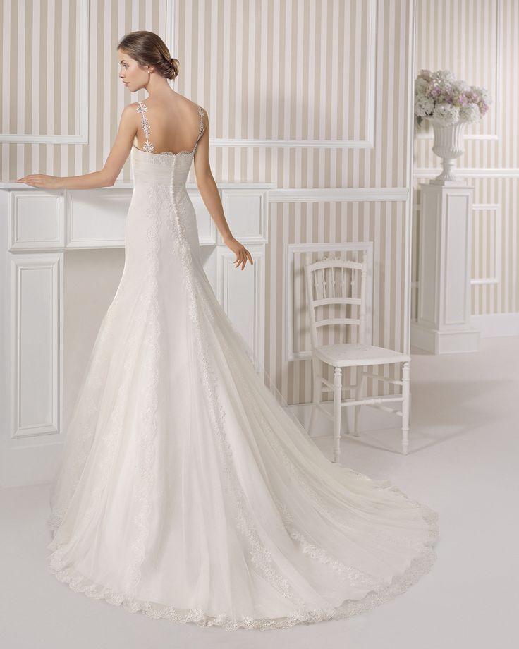 7S176 EXITO | Wedding Dresses | 2015 Collection | Luna Novias (back)