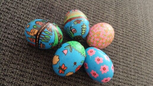 My old painted Easter's eggs ..