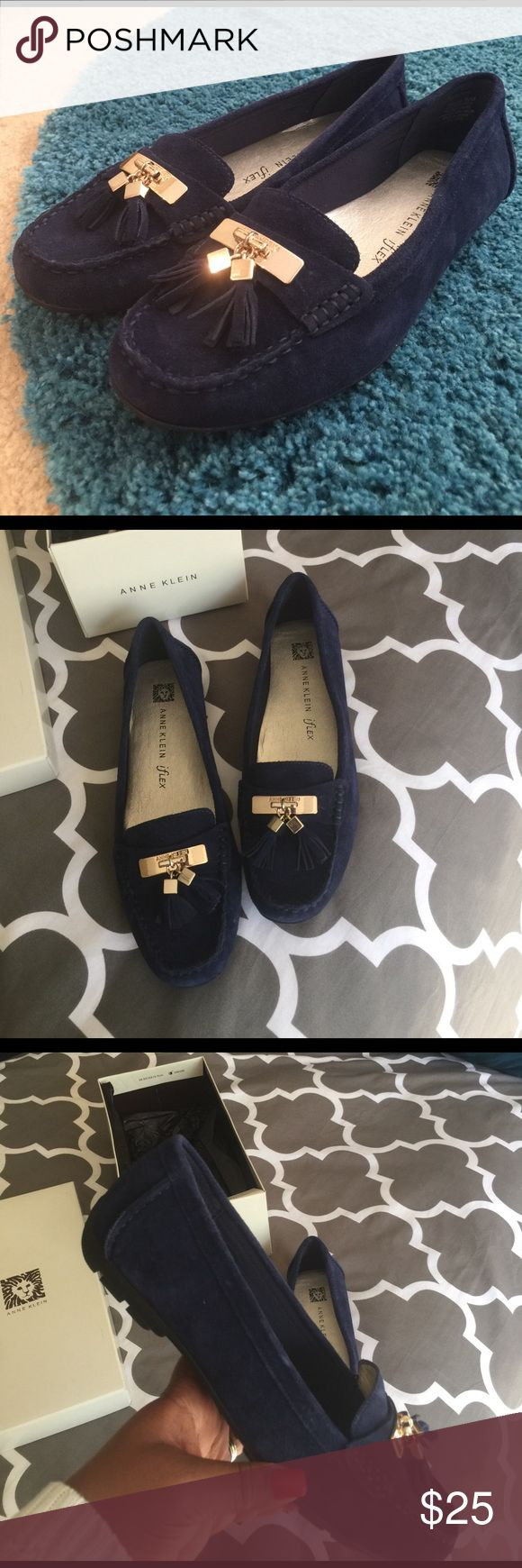 Anne Klein Navy blue dress shoe. I love the color, these shoes pair great with white pants or Khakis and a dress shirt or can be worn for a casual look. Anne Klein Shoes Flats & Loafers