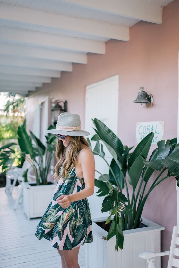 Gal Meets Glam Pink & Palm Print -Show Me Your Mumu dress, Mansur Gavriel sandals, Poolside tote, Illesteva sunglasses & Preston & Olivia hat