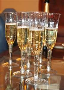 Salud!: Glasses, Food, Alcohol Drinks Recipes, Valentines Day, Dinners Parties, Art Deco, New Years, Toast Flutes, Champagne Flutes