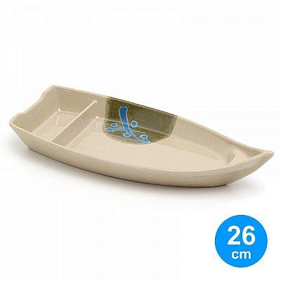 Barco para Sushi de 26cm com divisória, produzido em melamina na cor bege e pintura oriental. Dimensões do barco: 26cm (comprimento) x 12cm (largura) x 2,5cm (altura).