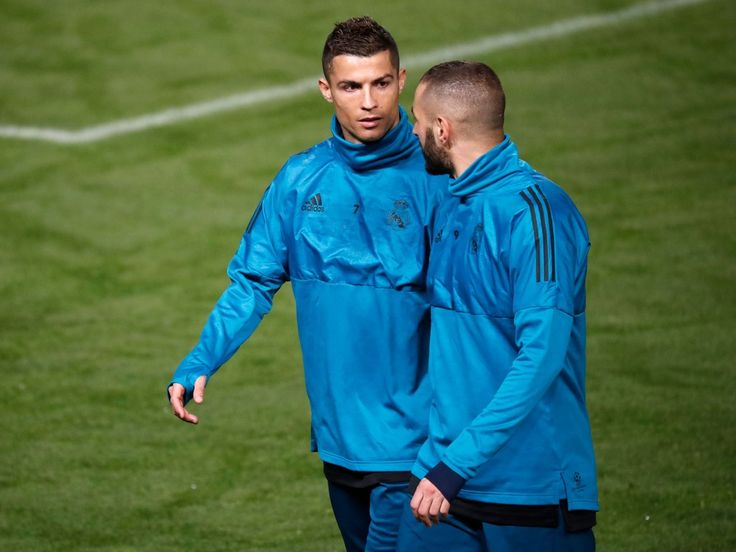 Cristiano Ronaldo Photos - Real Madrid's Portuguese forward Cristiano Ronaldo (L) and Karim Benzema take part in a training session in the Cypriot capital Nicosia's GSP Stadium on the eve of the UEFA Champions League football match APOEL FC against Real Madrid, on November 20, 2017.  / AFP PHOTO / THOMAS COEX - APOEL Nikosia v Real Madrid - UEFA Champions League