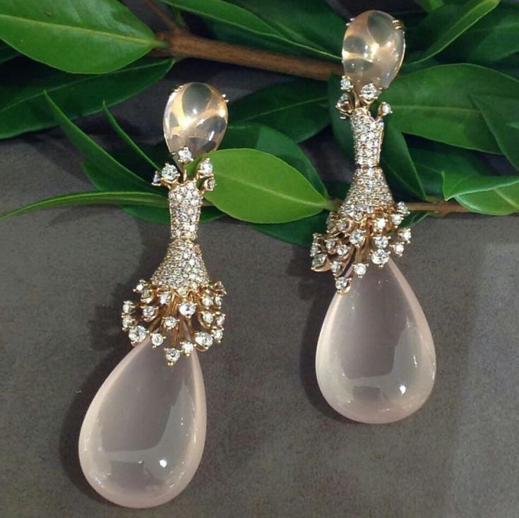 Elegant drops from HUEB @saks #phoenix #trunkshow #finejewelry