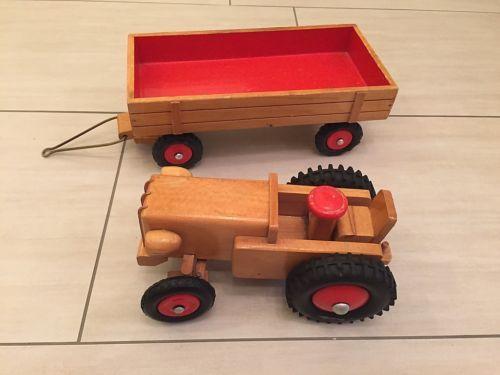 Ddr traktor aus holz mit anhaenger von heisso thueringen
