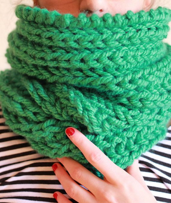 The one with the chunky single emerald green cowl by winkitywink