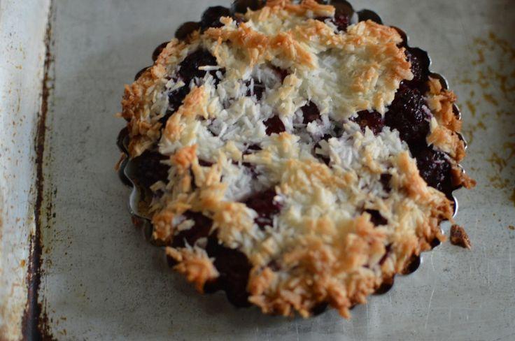 Blackberry macaroon tart!   Breakfast Inspiration.   Pinterest