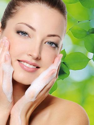 Fix Your Skin has a lot of articles about general skin care and DIY tips. It also has moisturizers, face masks and vitamin c serum reviews! #Skincare #Facecream #Moisturizer #DIY #Lotions #Acne #Prone #Healthy #Diet #Vitamins #Beauty #fixyourskin