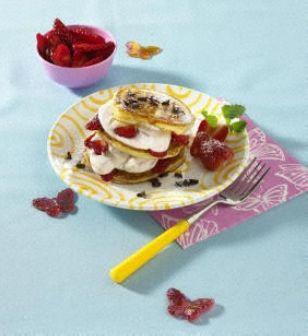Pfannkuchen mit Erdbeer-Quarkcreme