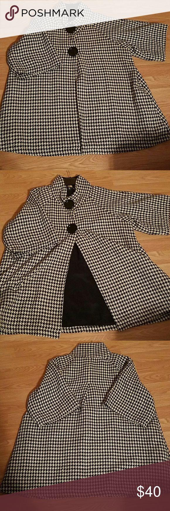 Ladies Houndstooth Jacket Size XL Ladies Houndstooth Jacket Size XL, black and white,  short sleeve, 55% wool, made in India Keren Hart Jackets & Coats