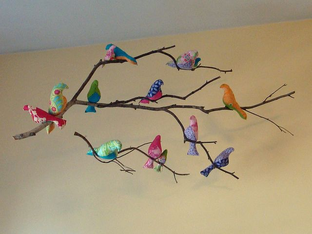 bird mobile step by step by Lou Lous Homemade, via Flickr - here is a more accurate depiction of the kind of bird moblie we are making for Rowan's room. . . . I love it!