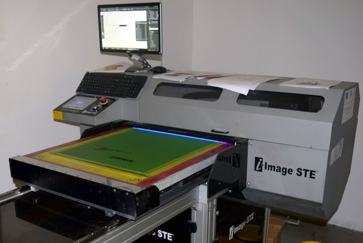 Amazing #screenprinting #technology from @mrcompanies. #iImageSTE #CTS #computertoscreen #imaging #exposure #system. Exposing full-size #images in #less than a #minute. #printmaking #exposing #silkscreen #screens. #printlife http://bit.ly/1LPZppD