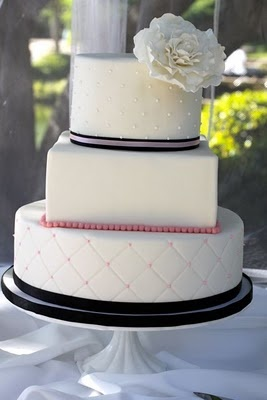 Round Square Round.......this was almost exactly my own wedding cake!