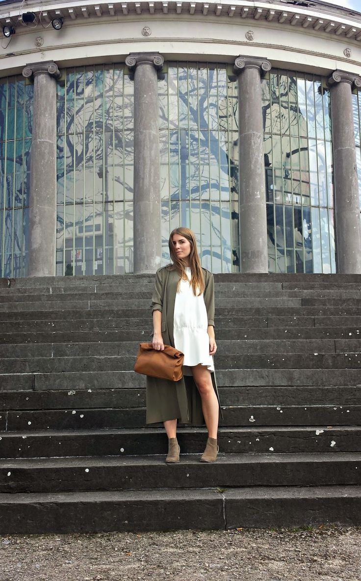 Style Trunk: White dress and khaki duster coat