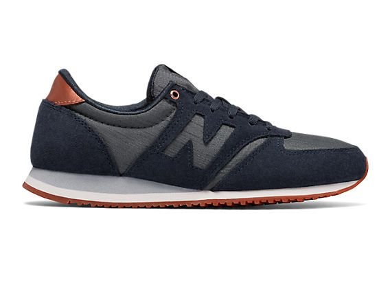 Suede/mesh upper combined with a rubber outsole gives the 420 women's sneaker the iconic New Balance fit that's ready for anything.