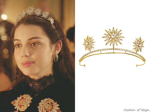 In the episode 2x11 Queen Mary wears a custom Untamed Petals starburst tiara, similar to one from the Untamed Petals Gilded collaboration.
