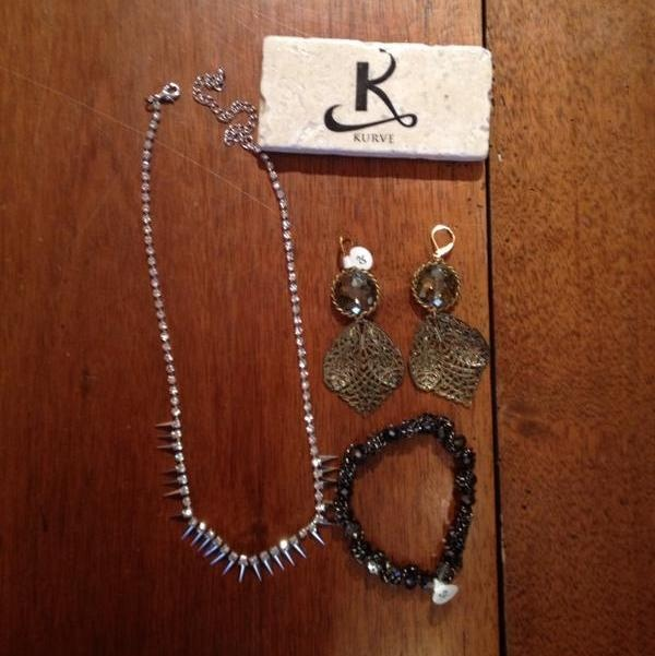 We ♥ working with @Kurve Jewellery!