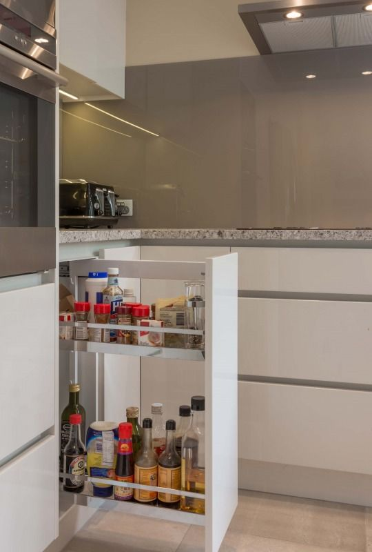 http://www.archipro.co.nz/inspiration-library/building/greenlane-gourmet-shannon-pepper-design