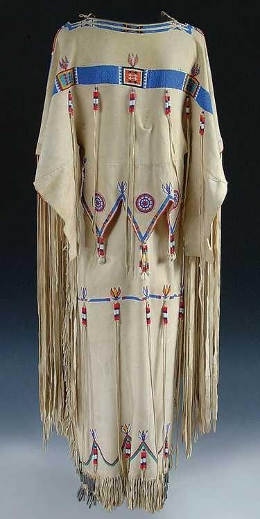 146: A VERY FINE LADIES CHEYENNE BEADED BUCKSKIN DRESS - 2