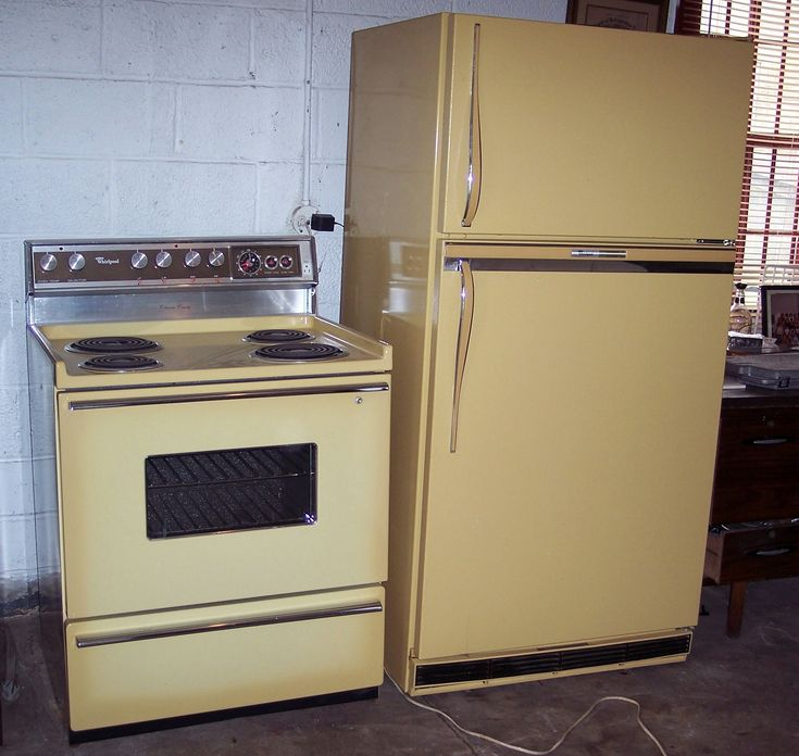Colour Inspiration A Retro Kitchen From Sarah 101: 42 Best Retro Refrigeration Images On Pinterest