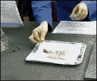 チオシアン酸水銀(II)の燃焼