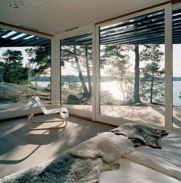 Love the glass windows, the view, the light, the airiness...