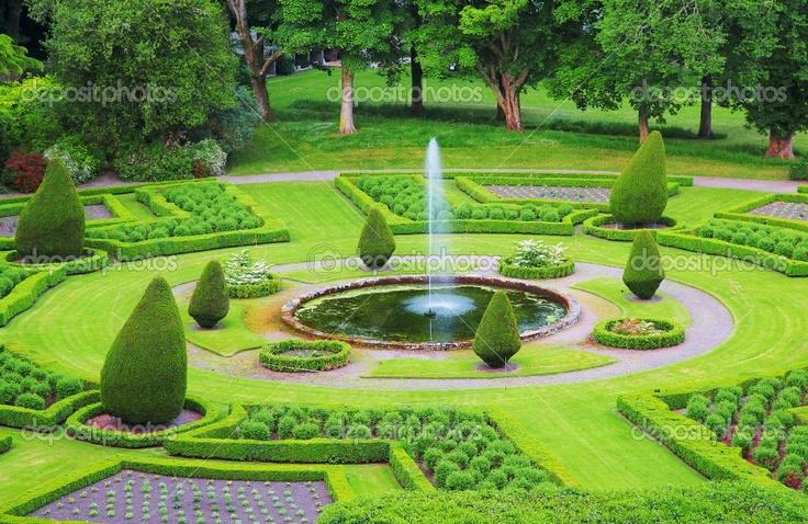 52 best gorgeous formal gardens images on pinterest for Formal garden design