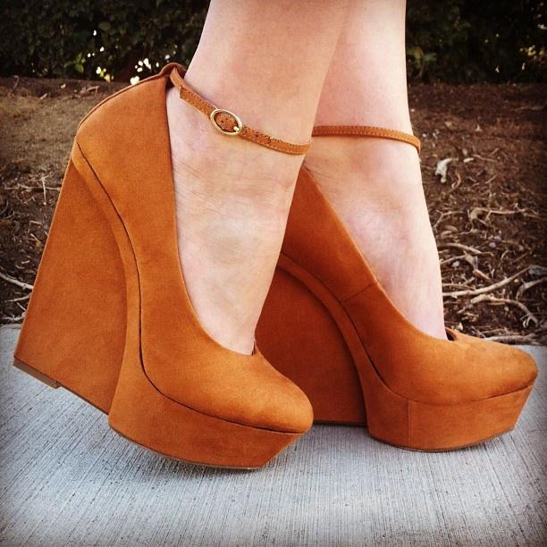 Walk this way. #gojane #tan #wedge #suede #monday #style #fashion #trend