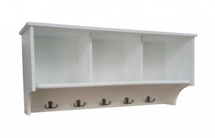 Vit hatthylla med fack och krokar New England vita hyllor lantligt stil Alezzi vita möbler