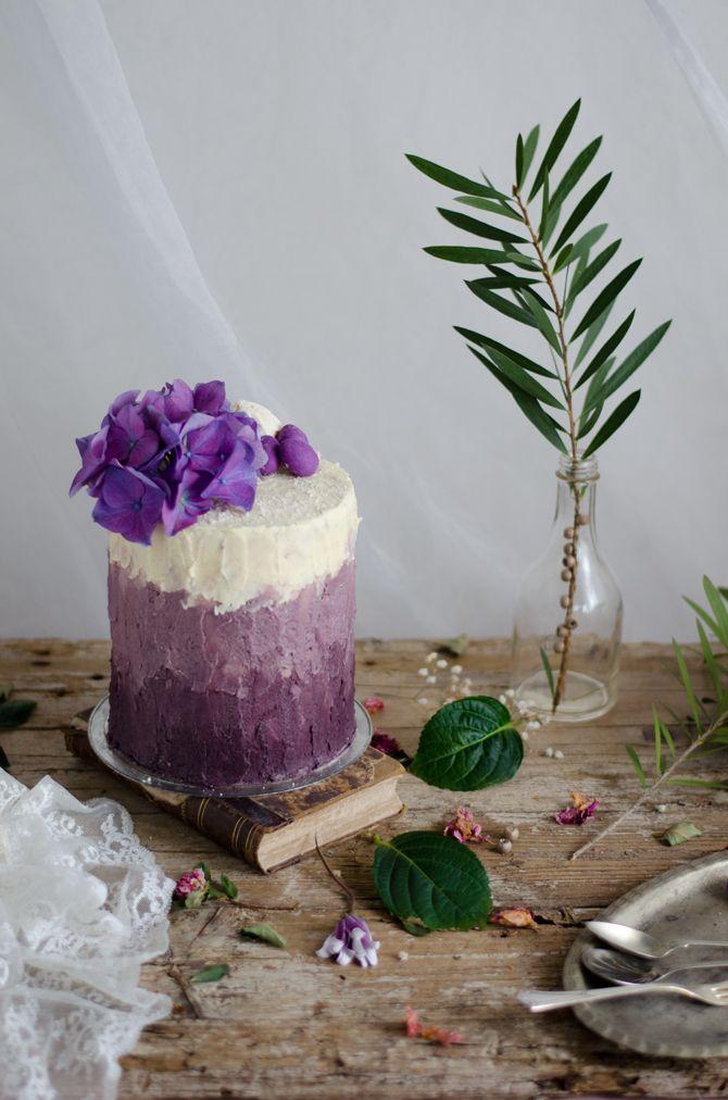Coco e Baunilha: Bolo de natas e mirtilo com buttercream de lavanda // Blueberry…