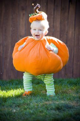 Dahlhart Lane: My Round Little Pumpkin Costume
