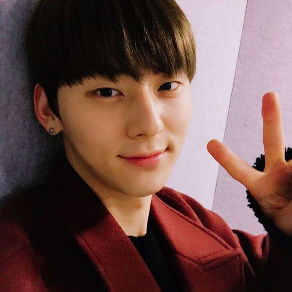 Hwang Min Hyun 황민현 || Nu'est || 1995 || 181cm || Lead Vocal