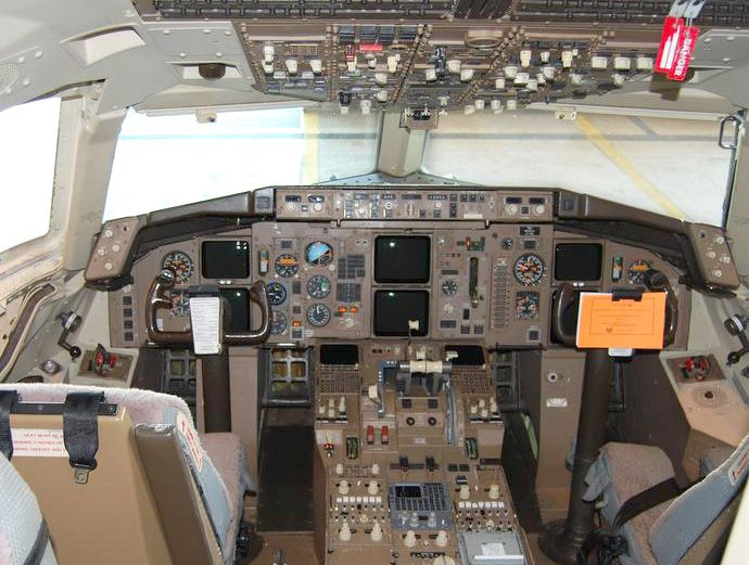 Two-crew cockpit of an American Airlines 757-200 with CRT displays - by Bill Abbott