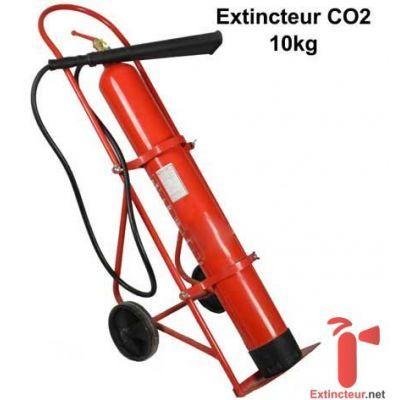 Extincteur CO2 de 10kg sur chariot. Ce sera l'appareil de lutte idéal pour combattre un feu électrique dans un local haute tension