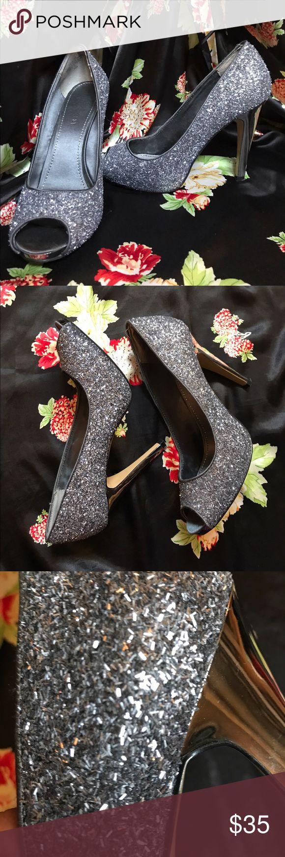 Nine West 🎉✨✨ heels Nine West ✨✨ heels. Size 7.5 this is a heel you party in! 😉 shoe has confetti texture 🎉🎉 Nine West Shoes Heels