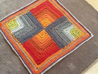 Mitered square. Free pattern on ravelry.