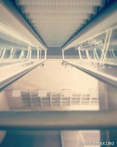 Mundo paralelo - metro - São Paulo - arquitetura - Ponto de vista -