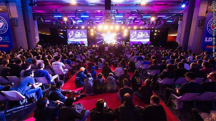 ESWC 2016 à la Paris Games Week : 3 tournois annoncés - Counter-Strike : Global Offensive, Jeu emblématique de la culture esport, à la technologie et au gameplay éprouvés, comptant une base active de plus de 10 millions de joueurs PC, CS : GO porte ...
