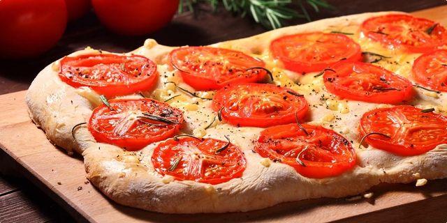 Focaccio a la pizza — Coolinarika