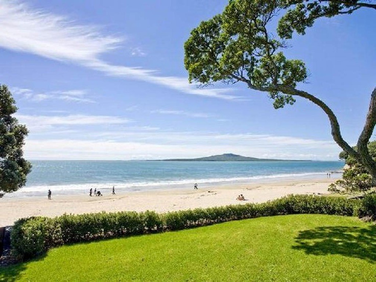 Takapuna Beach, North Shore, Auckland, New Zealand