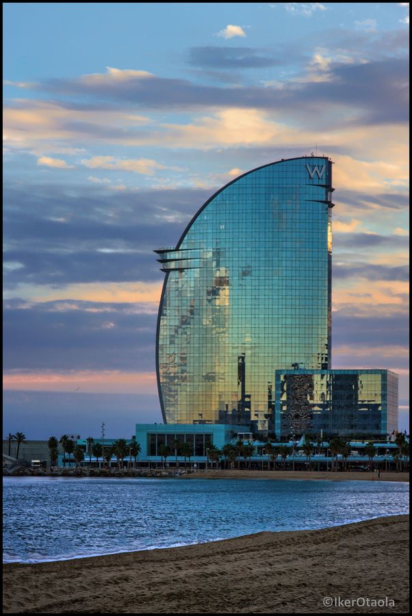Hotel W (Barcelona) - took the liberty of adding it to sea and sky - the colours are incredible