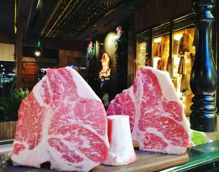 Gurkansefalriyadh Imranchef1992 Gurkan Sef Steakhouse Riyadh Saudi Arabia In 2020 Saltbae Riyadh Saudi Arabia Ted Baker Icon Bag