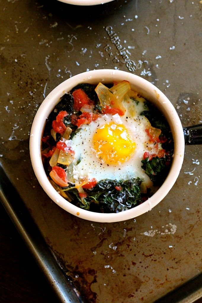 Baked Eggs with Tomato and Kale   Brunch   Pinterest